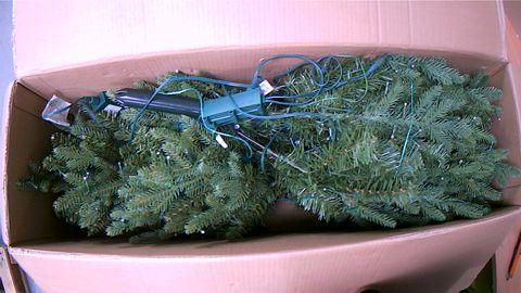 BOXED SANTA'S BEST 116 FUNCTION PRELIT DELUXE SPRUCE CHRISTMAS TREE
