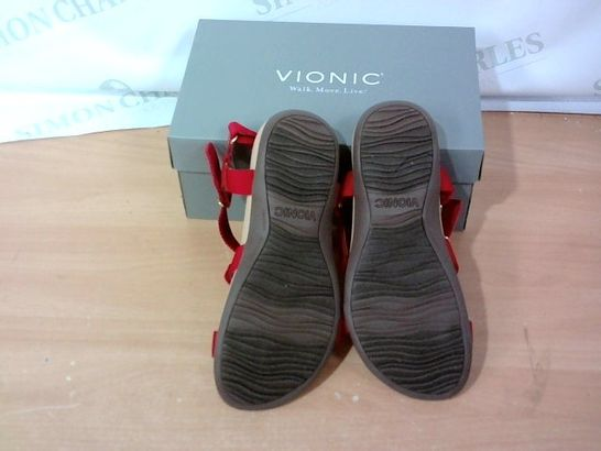 BOXED PAIR OF VIONIC - SIZE 7
