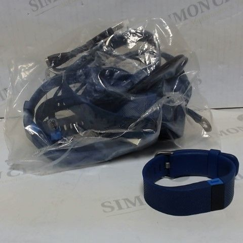 LOT OF APPROXIMATELY 8 FITBIT FITNESS SMART BANDS