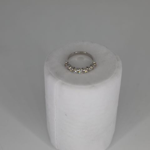 18CT WHITE GOLD 7 STONE, HALF ETERNITY RING, SET WITH DIAMONDS WEIGHING +1.11CT