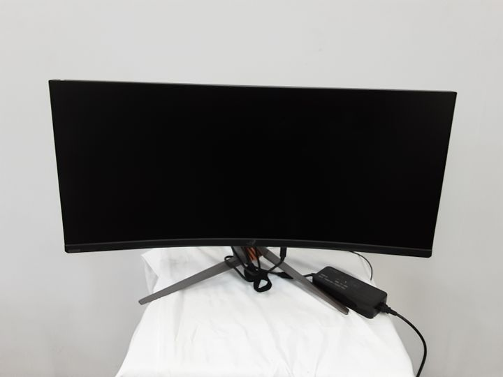"""ASUS PG35VQ 35"""" UWQHD CURVE 200HZ CURVED GAMING MONITOR"""