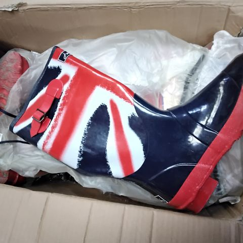 BOX OF APPROXIMATELY 10 ASSORTED UNION JACK WELLIES