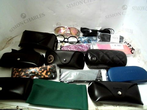 LOT OF APPROXIMATELY 31 ASSORTED EYEWEAR ITEMS TO INCLUDE; SPECTACLES, SUNGLASSES ETC