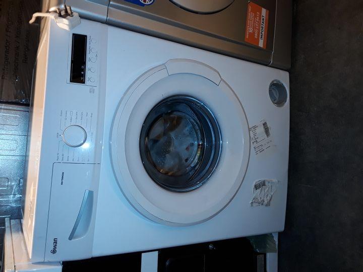 SWAN SW15840W 9KG 1200 SPIN WASHING MACHINE IN WHITE
