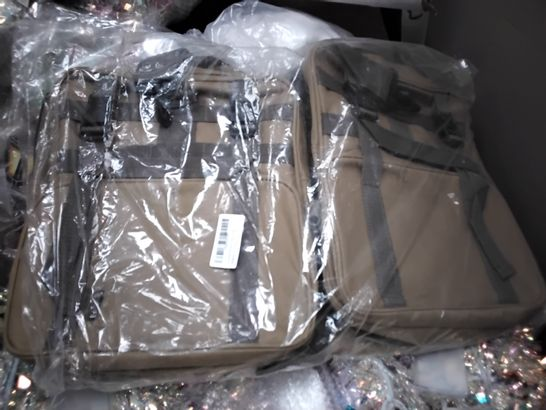 PALLET OF ASSORTED ITEMS INCLUDING ARTIFICIAL CHRISTMAS WREATHS, SANTA SIGNS, PILLOWS, WALL VINYLS, TOILET MATS