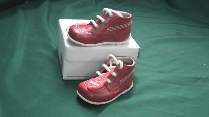 KICKERS KICK HIGH RED LEATHER BOOTS9-12 MONTH