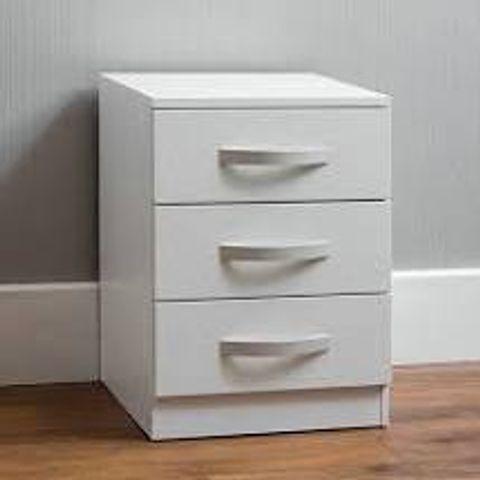 BOXED ARKADIJ 3-DRAWER WHITE BEDSIDE (1 BOX)