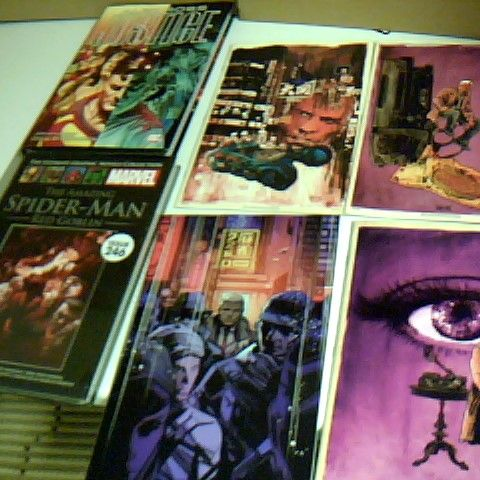 SELECTION OF 4 BLADE RUNNER COMICS AND 2 COMIC THEMED BOOKS, THE SIPDERMAN RED GOBLIN IS SEALED