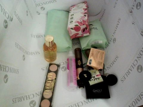 LOT OF APPROXIMATELY 15 HEALTH AND BEAUTY ITEMS