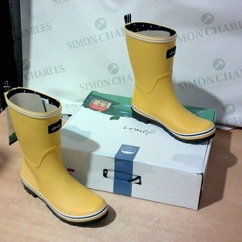 BOXED PAIR OF JOULES WELLIES SIZE 7