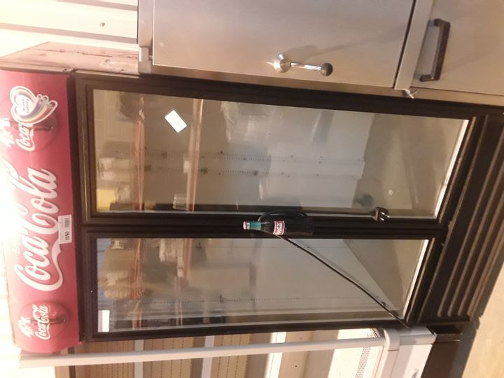 TRUE REFRIGERATION COCA COLA DOUBLE DOOR DISPLAY FRIDGE