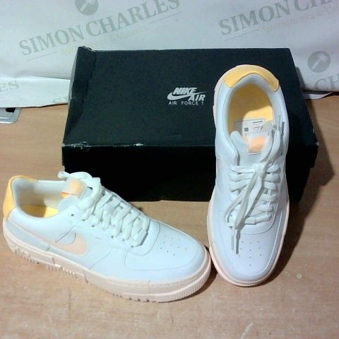 BOXED PAIR OF NIKE TRAINERS SIZE 7