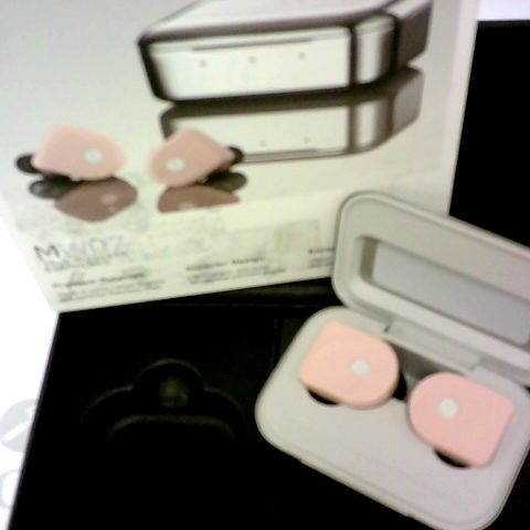 MASTER & DYNAMIC MW07 TRUE WIRELESS EARPHONES 3.5HRS, 3 ADD FULL CHARGES WITH CASE FOR 14HRS
