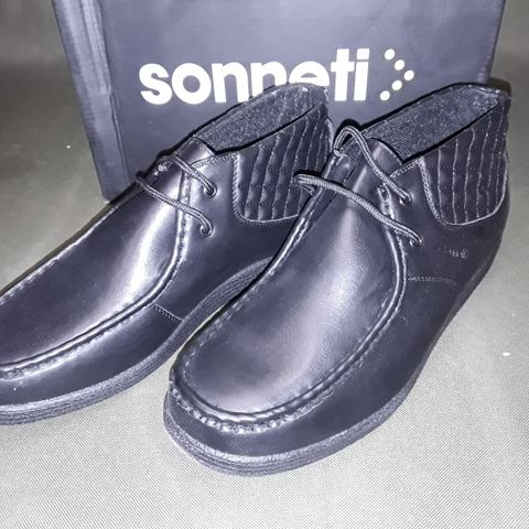 BOXED PAIR OF SONNETI BRUNTCLIFFE BLACK PU SHOES IN BLACK - 8