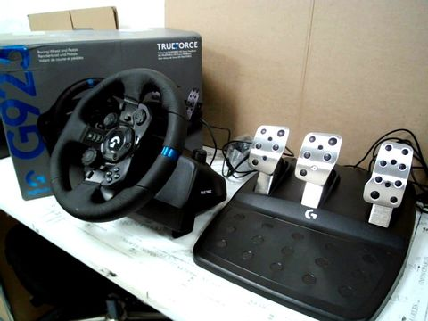 G923 PS RACING WHEEL AND PEDALS FOR PS4