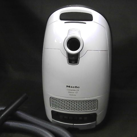 MIELE COMPLETE C3 SILENCE ECOLINE BAGGED VACUUM CLEANER, 500 W, 4.5 LITRE, WHITE