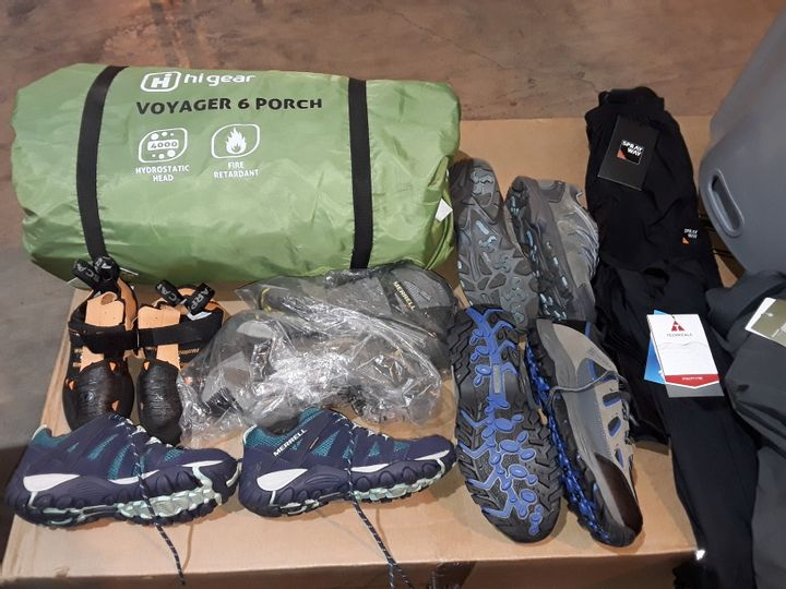 LARGE QUANTITY OF ASSORTED CAMPING ITEMS AND WALKING SHOES/BOOTS TO INCLUDE VOYAGER 6 PORCH, OUTDOOR TOILETS AND VARIOUS PAIRS OF FOOTWEAR