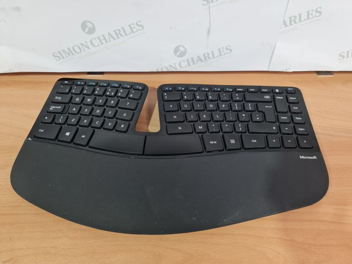 MICROSOFT SCULPT ERGONOMIC KEYBOARD - BLACK