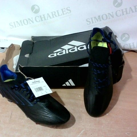 BOXED PAIR OF ADIDAS FOOTBALL BOOTS SIZE 9
