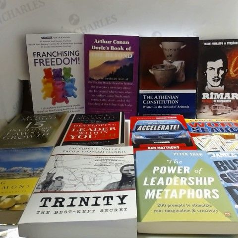 LOT OF APPROXIMATELY 30 ASSORTED NON-FICTION BOOKS