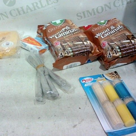 LOT OF APPROX. 15 ASSORTED ITEMS TO INCLUDE: WOOD & LAMINATE WIPES, TOOTHPICKS, DINNER KNIVES