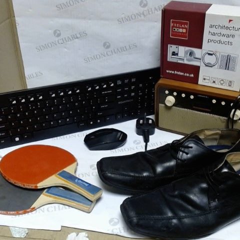 LOT OF APPROXIMATELY 5 ASSORTED HOUSEHOLD ITEMS, TO INCLUDE KEYBOARD, BLAUPUNKT RADIO, DOOR HANDLE, ETC