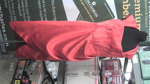 HOUSECB RED DRESS LARGE