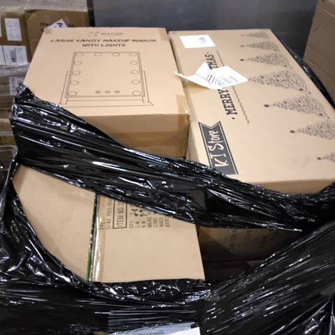 PALLET OF ASSORTED ITEMS TO INCLUDE A BOXED 6FT CHAMPAGNE COLOURED CHRISTMAS TREE AND A BOXED LARGE VANITY MAKE-UP MIRROR WITH LIGHTS