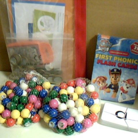 ASSORTMENT OF EDUCATIONAL TOYS INCLUDING PAW PATROL FLASH CARDS BOXED AND SEALED, BOOKTRUST RESOURCES AND BINGO BALLS TO HELP WITH NUMBER RECOGNITION