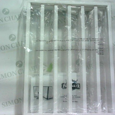 PET MAKER - BOXED DEMETER FREESTANDING PET GATE - WHITE