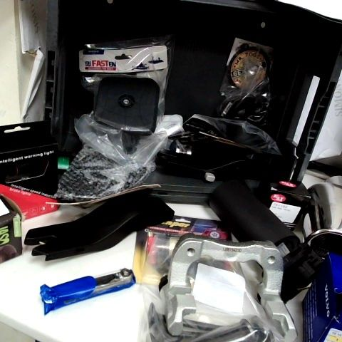 TRAY OF ASSORTED ITEMS, INCLUDING, JAGUAR BANNER, EXAUST TAIL TRIM, ISOFIX FIXINGS, GROUND LOOP ISOLATOR