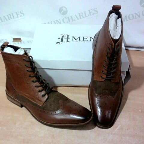 BOXED PAIR OF HMEN BROGUES SIZE 12