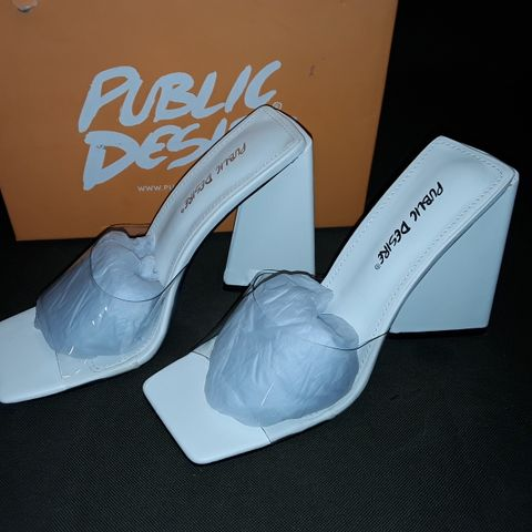 BOXED PAIR OF PUBLIC DESIRE TAMMI WHITE PERSPEX SHOES - 5