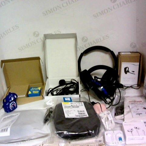 APPROXIMATELY 15 ASSORTED PORTABLE AUDIO ITEMS TO INCLUDE PLANTRONICS VOYAGER 5200 UC HEADSET, LIGHTING HEADSET FOR IPHONES AND JABRA BUSINESS HEADSET