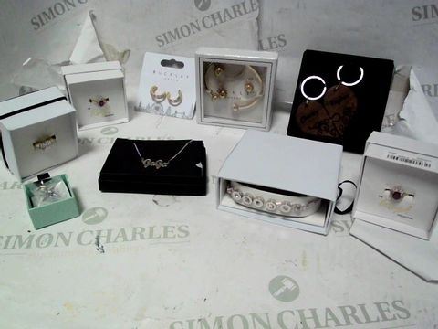 LOT OF APPROXIMATELY 9 ASSORTED JEWELLERY ITEMS, TO INCLUDE BUCKLEY, THOMAS SABO, ETC