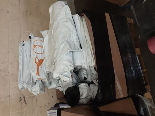 PALLET OF ASSORTED ITEMES TO INCLUDE OHANA PET BED, NAME BRAND 3D DOOR MAT AND YUREN YOGA MAT