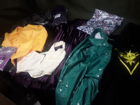 BOX OF APPROXIMATELY 36 ITEMS OF ASSORTED DESIGNER CLOTHES & ACCESSORIES, INCLUDING, GYM WEAR, UNDERWEAR, PRINTED DRESES & TOPS, SOCKS, BASEBALL CAP, KNITWEAR, UNIFORMS.